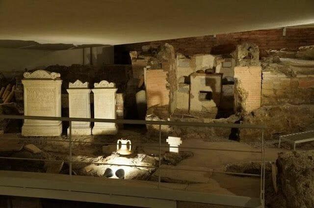 Necropolis via triumphalis