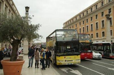 Bus turístico Roma de la Omnia Vaticana
