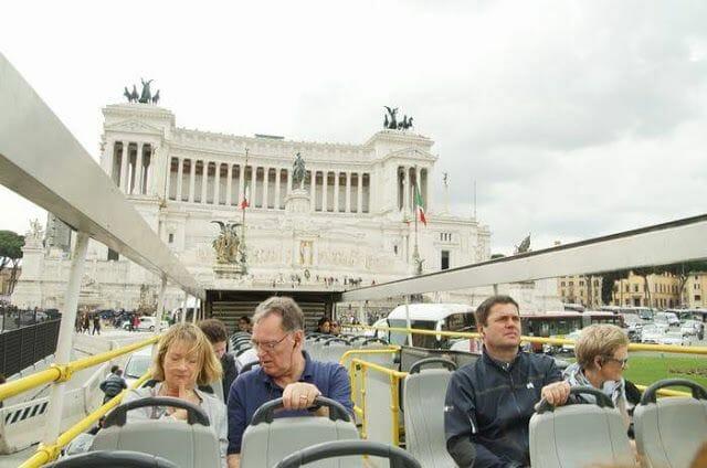 Bus turístico Omnia Vatican