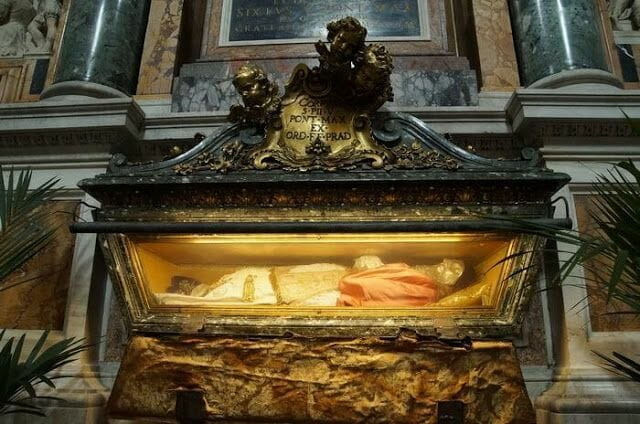 Santa María la Maggiore tumba papa
