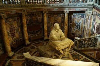 tumba papa Santa María la Maggiore