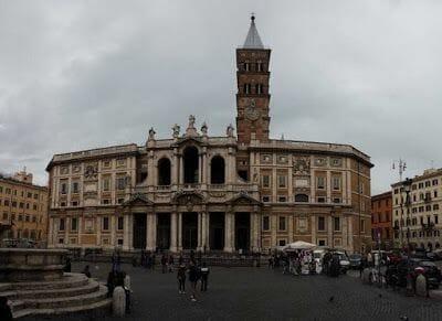 Santa María la Maggiore - parada Bus turístico Roma