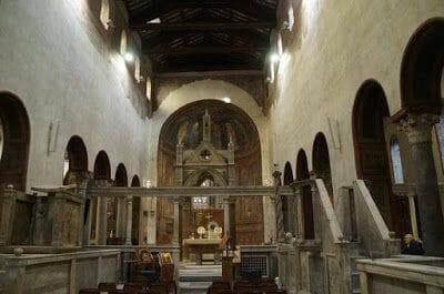cripta bajo el ábside iglesia Santa María in Cosmedin