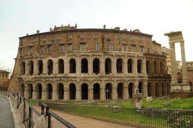 Teatro Marcello en el Bus turístico Roma