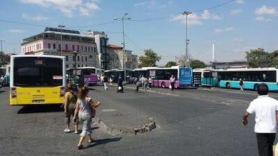 autobus para ir a la Mezquita de Eyüp y café Pier Loti