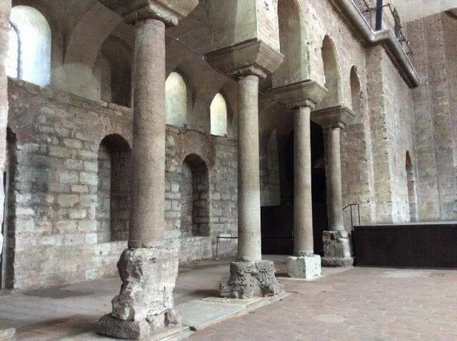 columnas de la Iglesia de Santa Irene