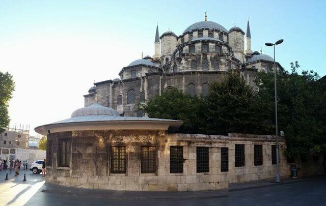 Mezquita Eminonu