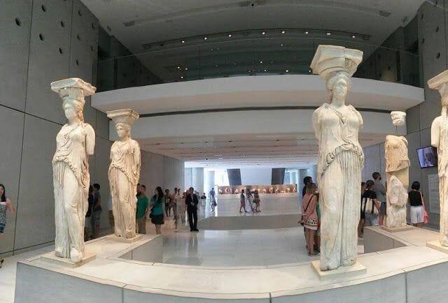 Cariátides - Qué ver en Atenas en un día en parada de crucero