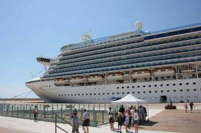 Nuestro barco - Qué ver en Atenas en un día en parada de crucero