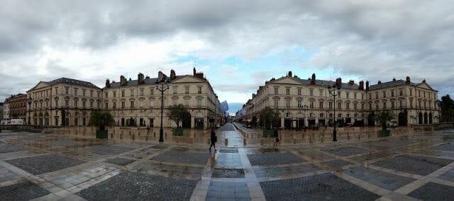 plaza de la catedral de orleans