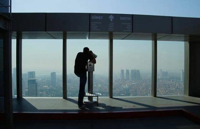 El mirador de la Torre Sapphire