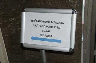 El mirador de la Torre Sapphire piso 56