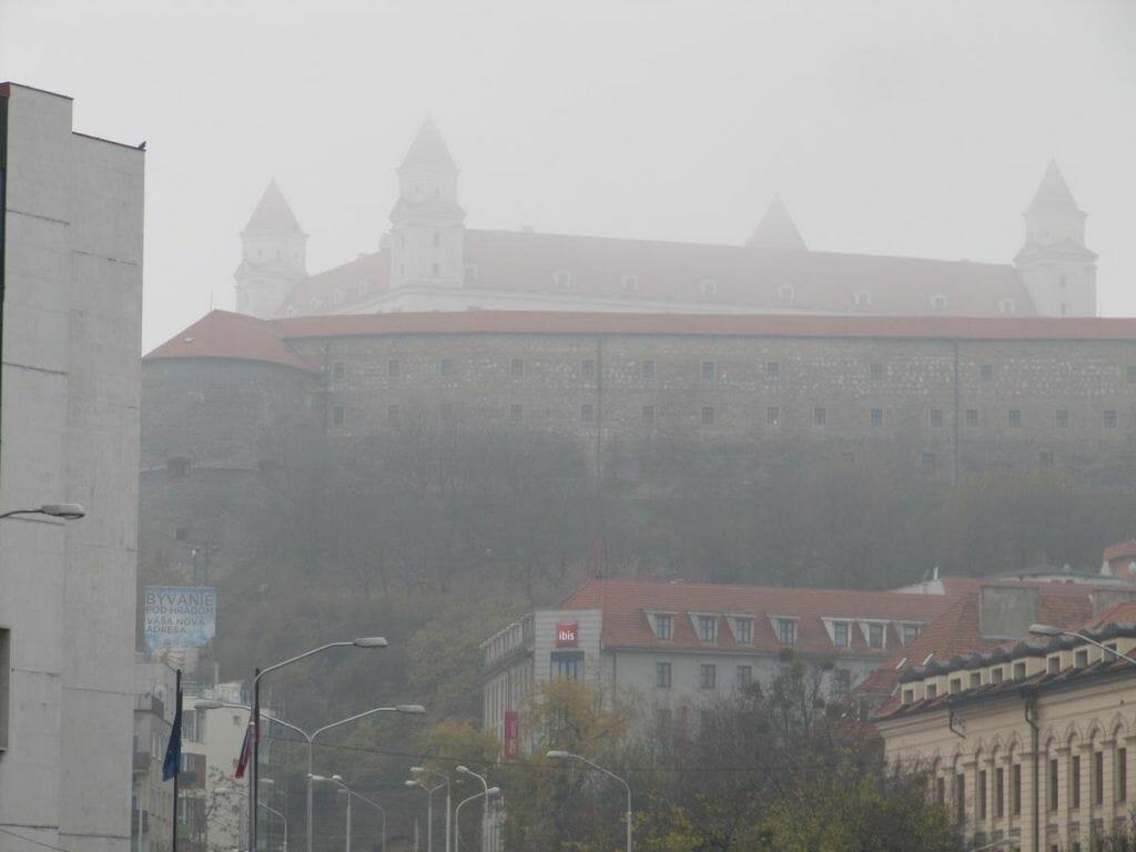 hotel Ibis bajo el castillo de Bratislava