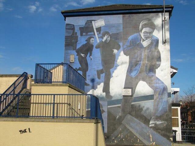 murales de Derry niños corriendo