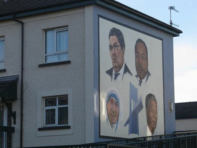murales de Derry teresa calcuta, mandela