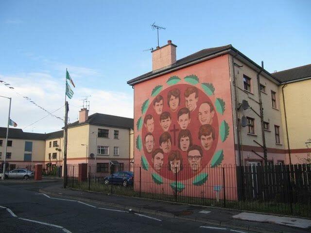 murales de Derry a los caidos