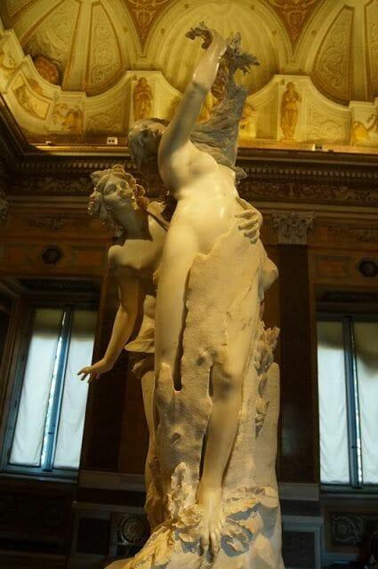 Apolo y Dafne de Bernini(Galleria Borghese)