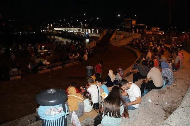 Puente Gálata de noche
