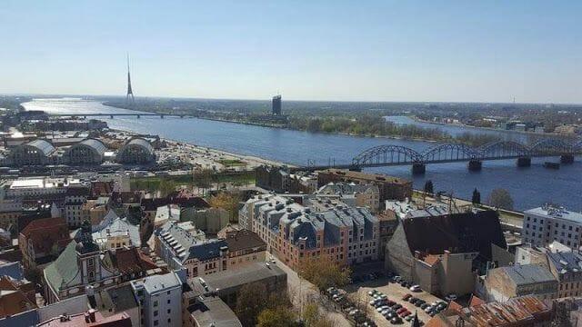 vistas de Daugava desde campanario de san pedro