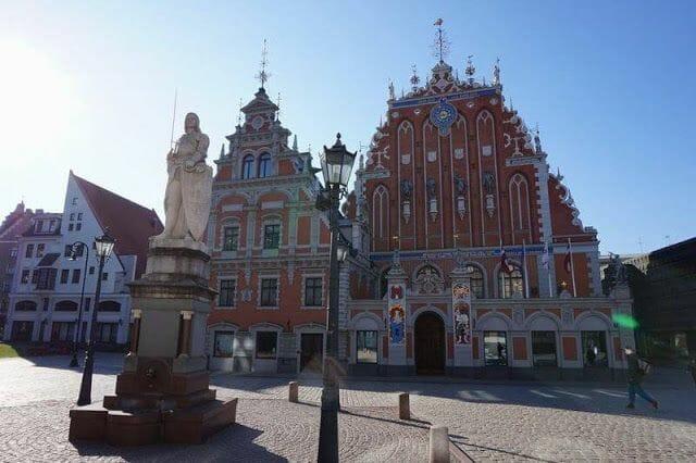 Plaza Rätslaukumssta o ayuntamiento de Riga