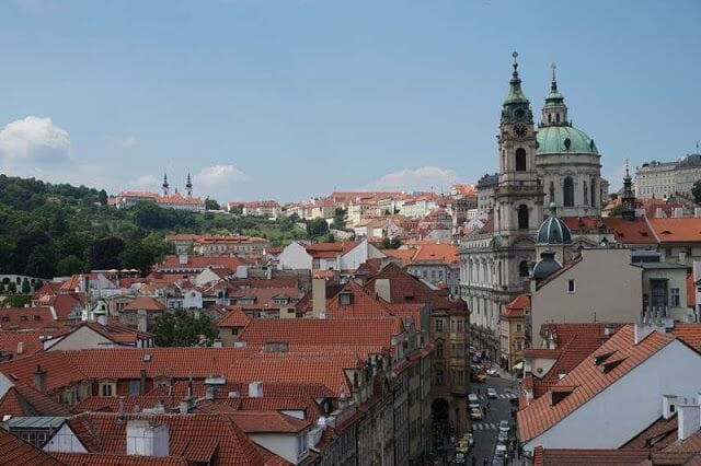 vistas del monasterio de Strahov desde Torre del Puente de Malá Strana