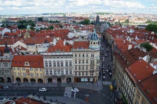 vistas torre de la iglesia de san Nicolás Praga
