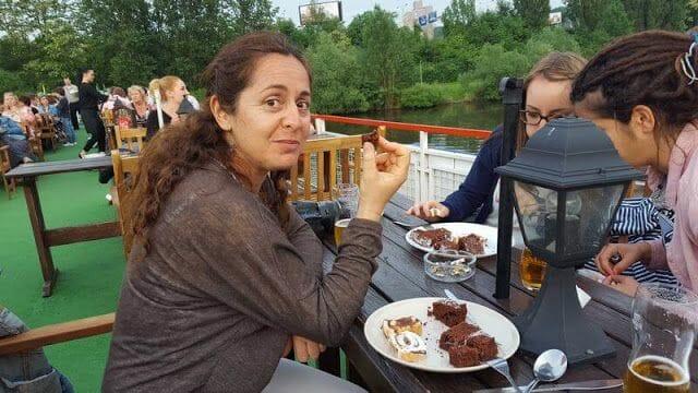 Paseo en barco en Praga con cena