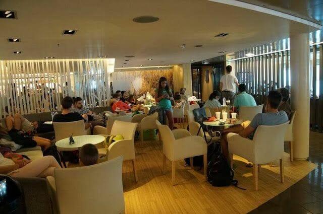 salon ferry naxos