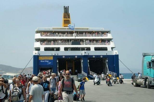 ferry puerto de Naxos