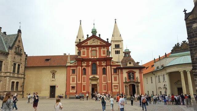 Basílica de San Jorge castillo Praga