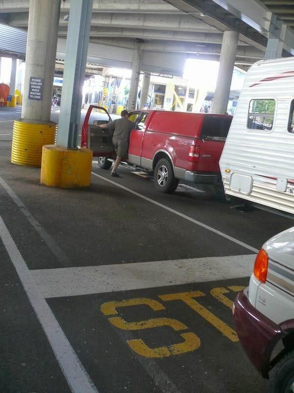 Cruzar en ferry a la isla de Vancouver en caravana
