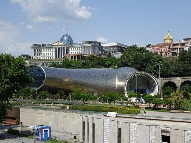 Nuevo Teatro y Centro de Exposiciones del Parque de Rike