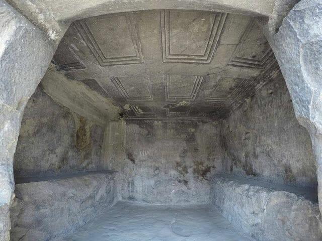 UPLISTSIKHE cueva
