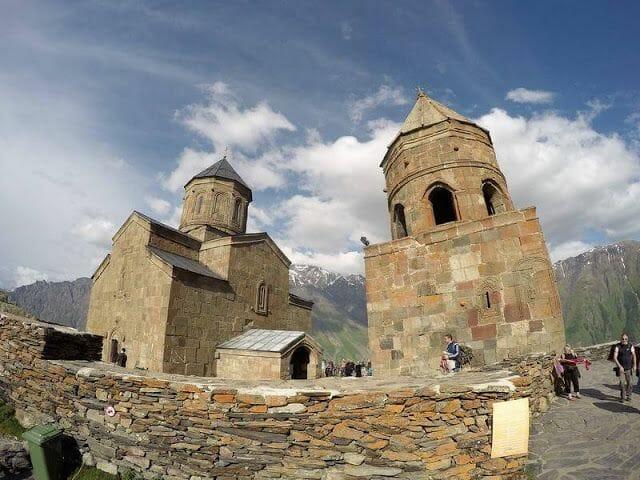 monasterio de la Trinidad Gergeti