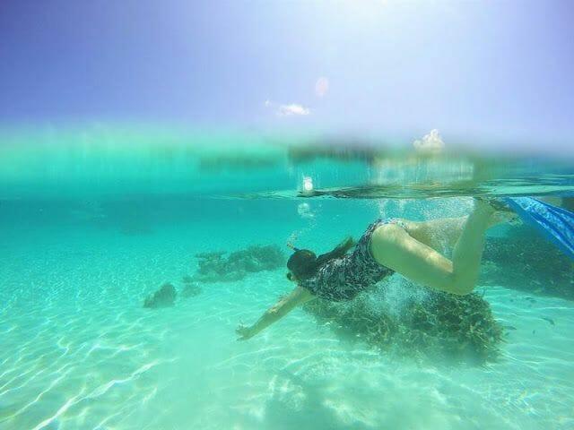 buceando en las Maldivas
