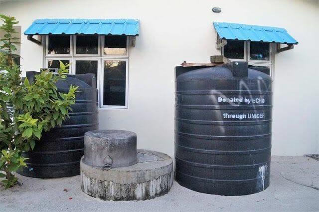 depositos agua UNICEF isla de Nilandhoo Maldivas