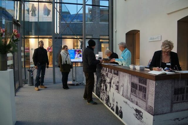 ENTRADA museo Philips Eindhoven