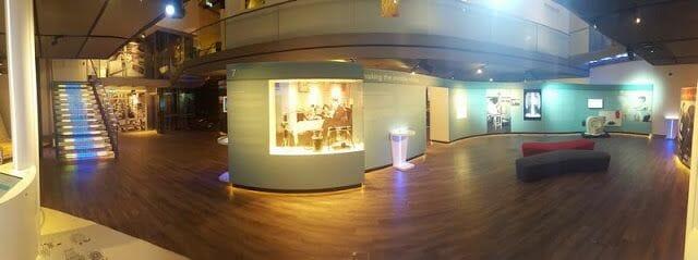 salas con exposiciones multimedias e interactivas museo philips eindhoven