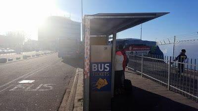 parada bus 400 en el aeropuerto de Eindhoven