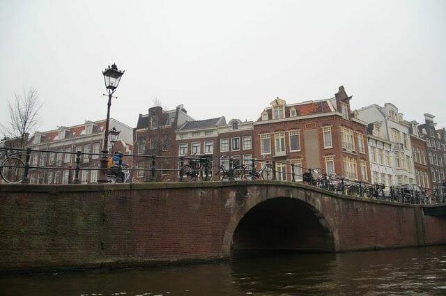 canales de Ámsterdam puentes