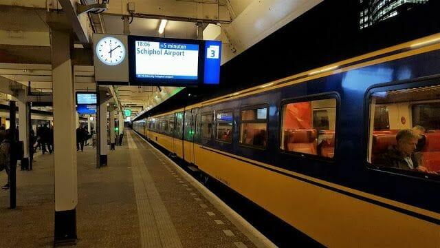 tren aeropuerto amsterdam