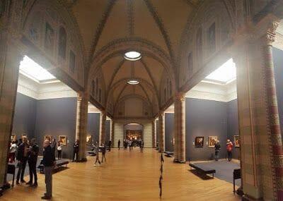 Galería de Honores con la sala de la Ronda al fondo