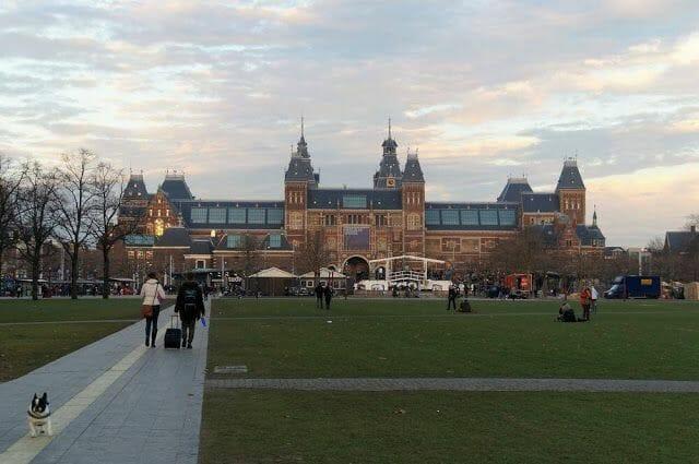 fachada museo Rijksmuseum Ámsterdam