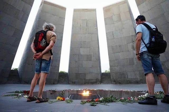 llama MONUMENTO AL GENOCIDIO ARMENIO