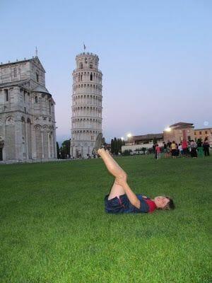 fotos haciendo el tonto en torre de pisa
