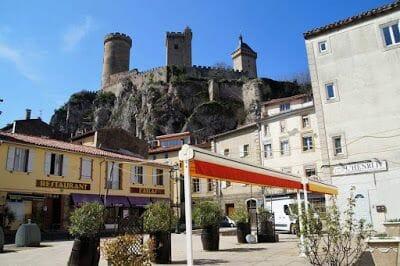 castillo de foix desde la ciudad