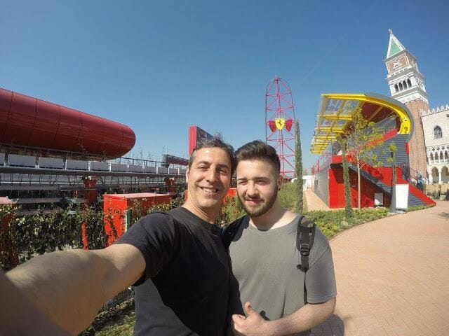 red force de ferrari land selfie