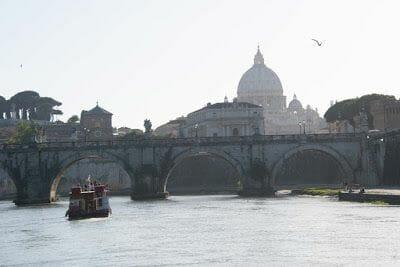 Barco turístico de Roma - mejores visitas guiadas Roma