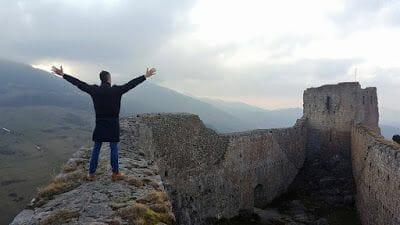 castillo de montsegur al amanecer