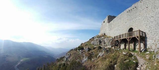 castillo de Montsegur puerta acceso